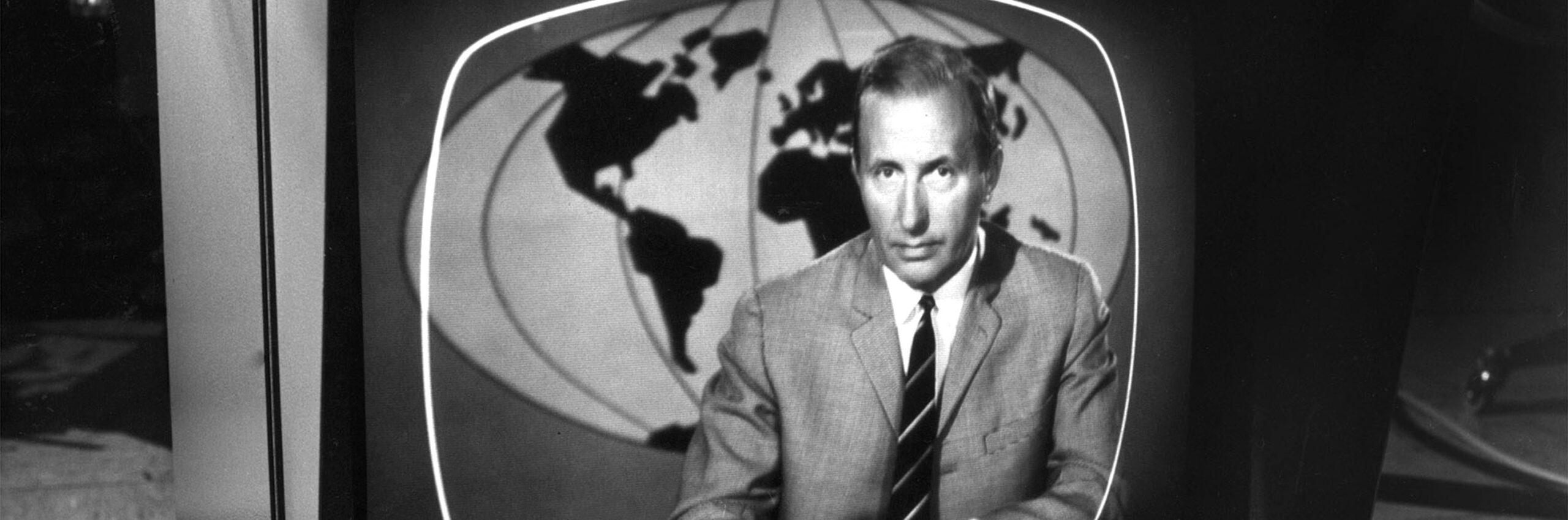 Der Tagesschausprecher Karl-Heinz Köpcke. | Bildquelle: NDR